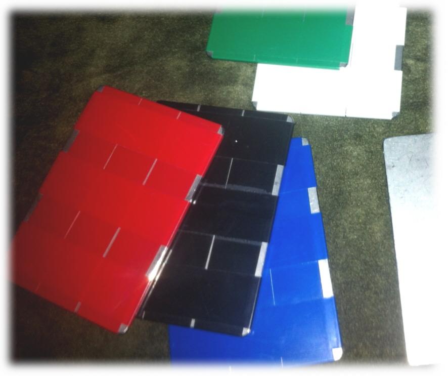 Stahlplatten mit Klebeband umwickelt